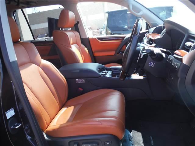 LX5704WDメーカーナビリアエンターモデリスタエアロ(12枚目)