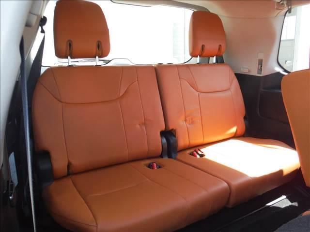 LX5704WDメーカーナビリアエンターモデリスタエアロ(18枚目)