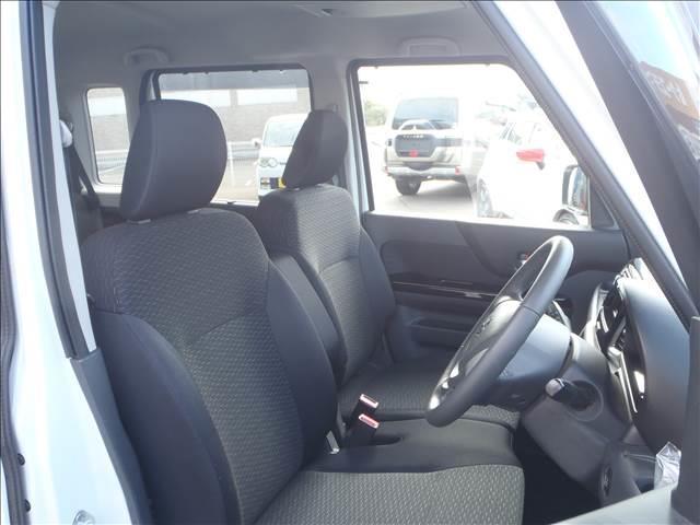 TS 4WDターボメモリーナビ両側パワスラアイドリングストップスマートキープッシュスタートシートヒーターオートライトキセノン本革巻ステア純正フルエアロ純正15AW(13枚目)