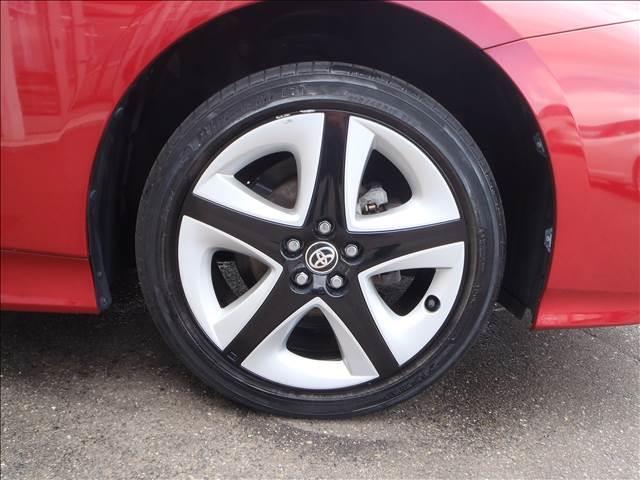 Sツーリングセレクション 4WDトヨタセーフティセンスPプリクラッシュレーダークルーズレーンアシストオートハイビームシートヒーターレザーシートリアソナースマートキープッシュスタート本革巻ステアS-VSC純正17AW(7枚目)