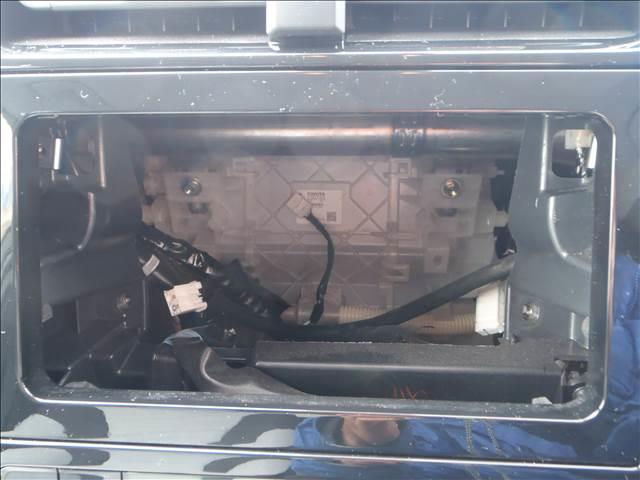 Sツーリングセレクション 4WDトヨタセーフティセンスPプリクラッシュレーダークルーズレーンアシストオートハイビームシートヒーターレザーシートリアソナースマートキープッシュスタート本革巻ステアS-VSC純正17AW(14枚目)