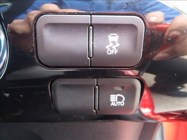 Sツーリングセレクション 4WDトヨタセーフティセンスPプリクラッシュレーダークルーズレーンアシストオートハイビームシートヒーターレザーシートリアソナースマートキープッシュスタート本革巻ステアS-VSC純正17AW(18枚目)