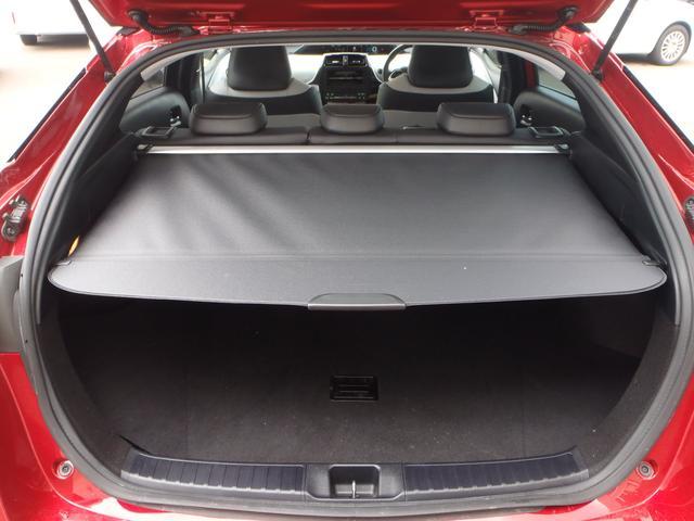 Sツーリングセレクション 4WDトヨタセーフティセンスPプリクラッシュレーダークルーズレーンアシストオートハイビームシートヒーターレザーシートリアソナースマートキープッシュスタート本革巻ステアS-VSC純正17AW(25枚目)