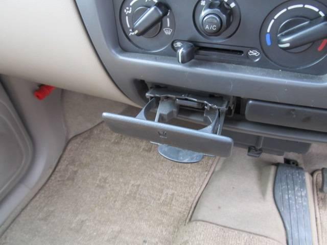 C 4WD シートヒーター キーレス CD フル装備(18枚目)