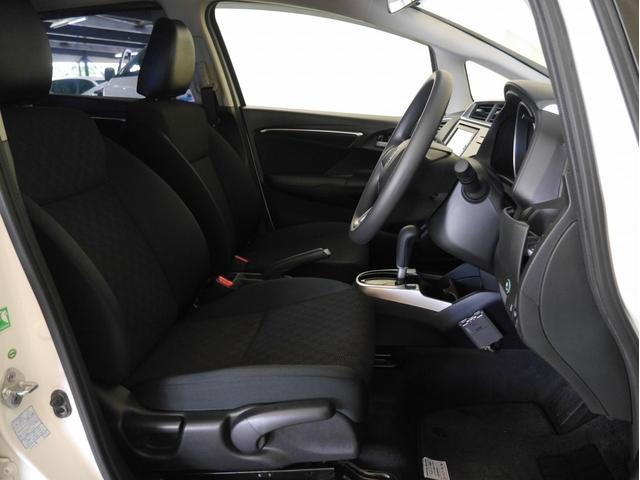ホンダ フィット 13G・Fパッケージ 4WD オーディオレス 社外AW