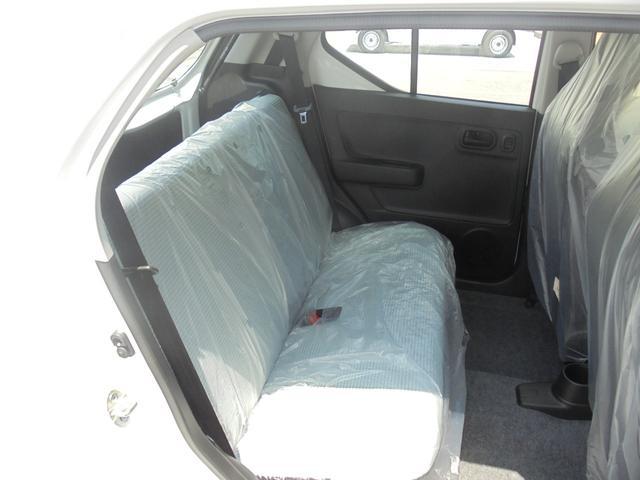 スズキ アルト L 4WD 届出済未使用車 シートヒーター CDオーディオ