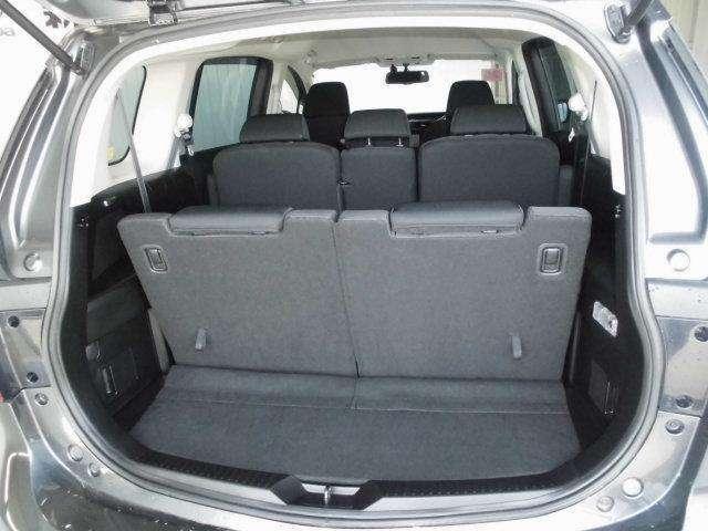 定員乗車でも荷物のスペースは確保しています