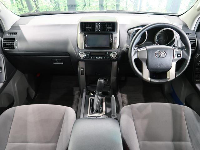 路面状況や走行状態に反応して、前後のトルク配分を最適にコントロールします。通常時のトルク配分「前40:後60」を、旋回加速時にはリヤ寄りにして優れたコーナリング性能を発揮します。