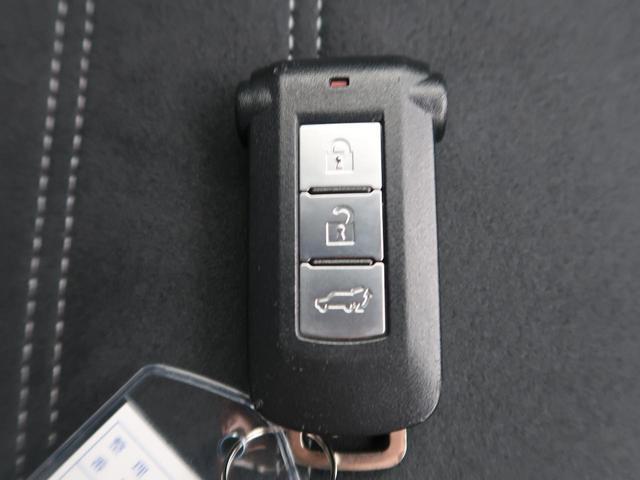 Gナビパッケージ 純正SDナビ 衝突軽減装置 アラウンドビューモニター 4WD LEDヘッド LEDフォグ クリソナ デュアルエアコン レーダークルーズ 禁煙車 シートヒーター 純正18AW ETC パワーバックドア(6枚目)