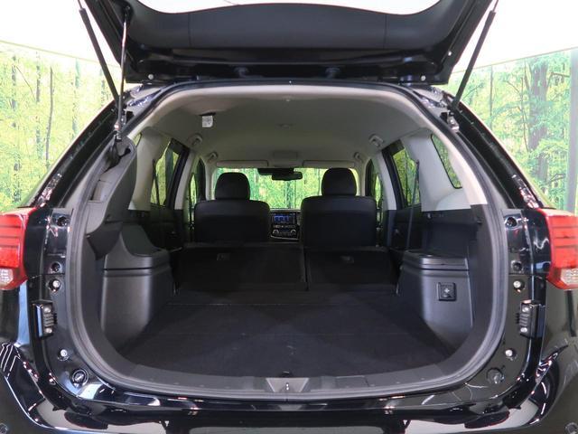 Gナビパッケージ 純正SDナビ 衝突軽減装置 アラウンドビューモニター 4WD LEDヘッド LEDフォグ クリソナ デュアルエアコン レーダークルーズ 禁煙車 シートヒーター 純正18AW ETC パワーバックドア(12枚目)
