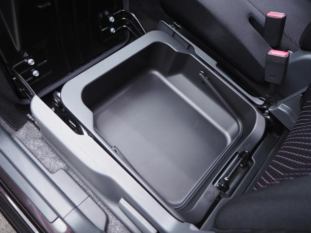 保証についてもお客様に安心してお車に乗っていただくため2種類のKOWA安心保証プランをご用意しております。詳しくは当店スタッフまでお気軽にお問い合わせください。