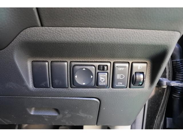 スクラッチガードコートエディション 4WD ハイパールーフレール スマートキー ナビ ミュージックサーバー ETC 純正アルミ 一年保証(17枚目)