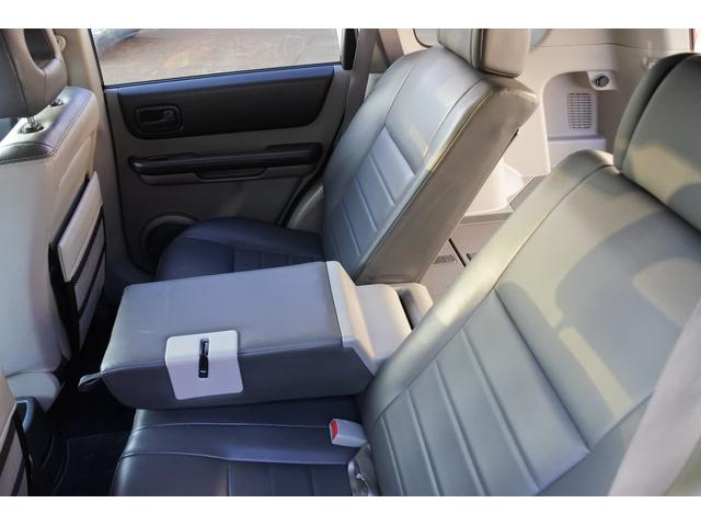 スクラッチガードコートエディション 4WD ハイパールーフレール スマートキー ナビ ミュージックサーバー ETC 純正アルミ 一年保証(33枚目)