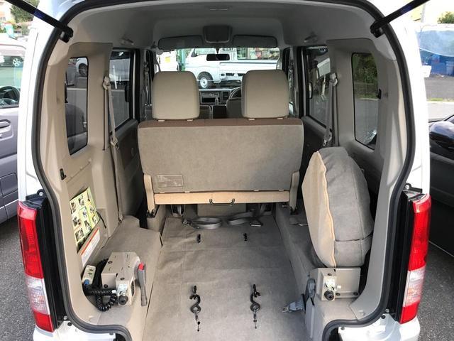 4WDスローパー 車いす移動車 後部電動固定 リヤシート付き(13枚目)
