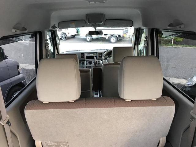 4WDスローパー 車いす移動車 後部電動固定 リヤシート付き(15枚目)