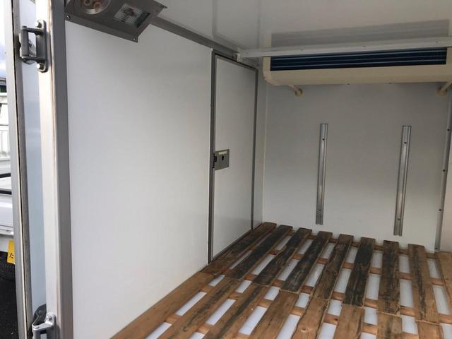 TB 低温冷蔵冷凍車 4WD -22℃~35℃ AT PS(13枚目)