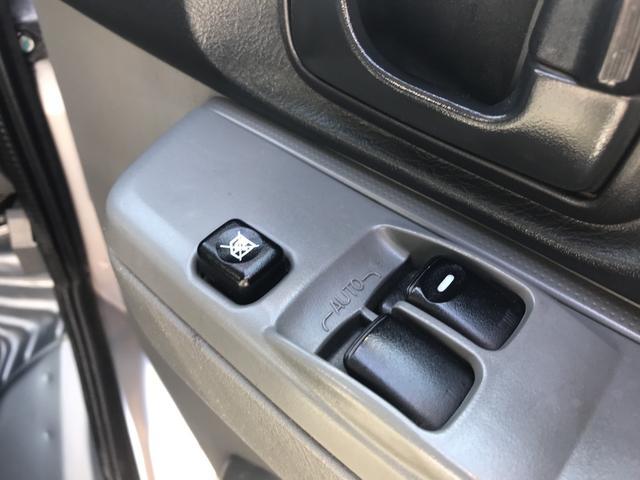 4WD エアコン パワステ PW オートマ Wエアバッグ(16枚目)