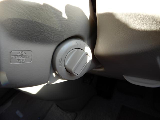 V-Gナビパッケージ 2WD スマートキー 本革巻きステア(12枚目)