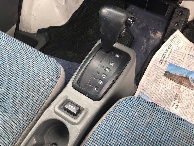 4WD AC AT 軽トラック 2名乗り ホワイト(13枚目)