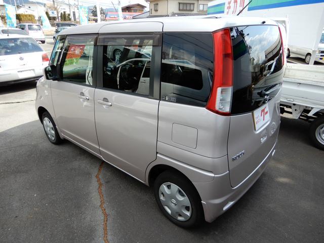 E 4WD シートヒーター Pスタート ナビ 地デジ(4枚目)