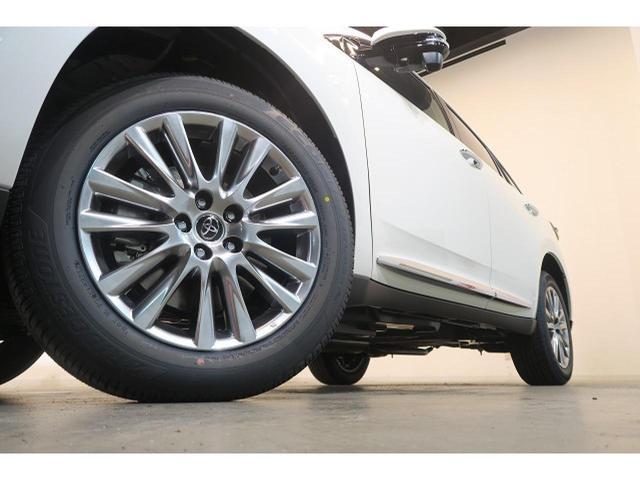 トヨタ ハリアー プレミアム 新車 後期4WD セーフティーセンス サンルーフ