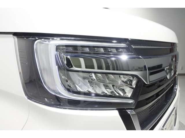 G・L メモリーナビ リアカメラ ETC 弊社試乗車 4WD ETC バックカメラ スマートキー ナビTV メモリーナビ 横滑り防止 LED(9枚目)