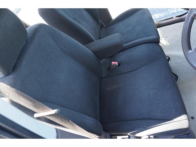 ☆運転席にはシートヒーターが装備されております。