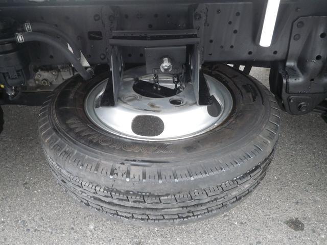 フルジャストロー 2t積 4AT ETC プリクラッシュセーフティ 車線逸脱警報装置 VSC ABS アイドリングストップ 排気ブレーキ 前席エアバッグ フォグランプ 助手席側電動格納ミラー(40枚目)