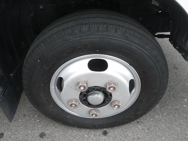 フルジャストロー 2t積 4AT ETC プリクラッシュセーフティ 車線逸脱警報装置 VSC ABS アイドリングストップ 排気ブレーキ 前席エアバッグ フォグランプ 助手席側電動格納ミラー(41枚目)