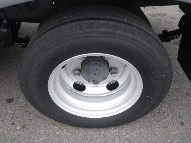フルジャストロー 2t積 4AT ETC プリクラッシュセーフティ 車線逸脱警報装置 VSC ABS アイドリングストップ 排気ブレーキ 前席エアバッグ フォグランプ 助手席側電動格納ミラー(44枚目)