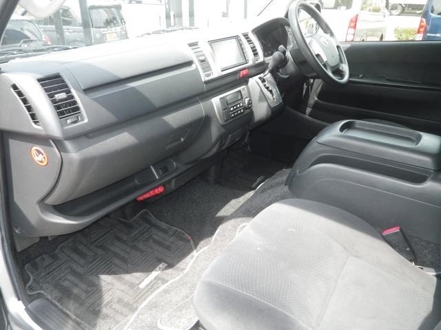 ロングスーパーGL 4WD 4AT ETC キーレス バックカメラ SDナビ フルセグTV オートライト オートエアコン イージークローザー タイベル交換済(20枚目)