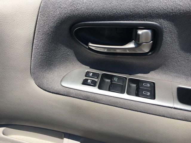日産 エルグランド ハイウェイスター4WD サンルーフ ハーフレザー 左電動ドア