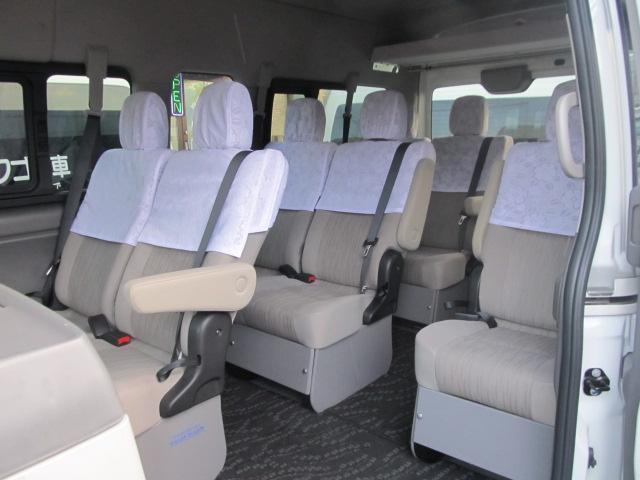 日産 NV350キャラバンワゴン GX 4WDディーゼル 10人乗ワゴン