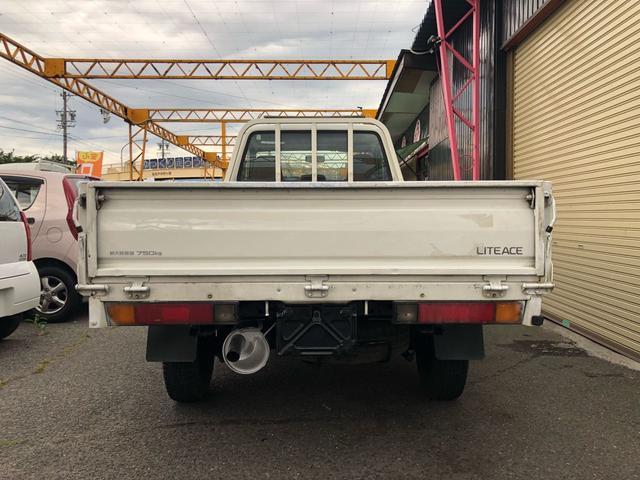 トヨタ ライトエーストラック 4WD ディーゼル シングルタイヤ