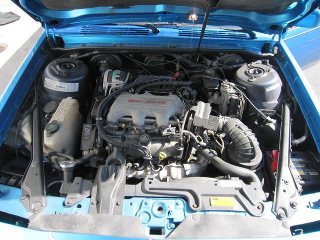 V6エンジンです。