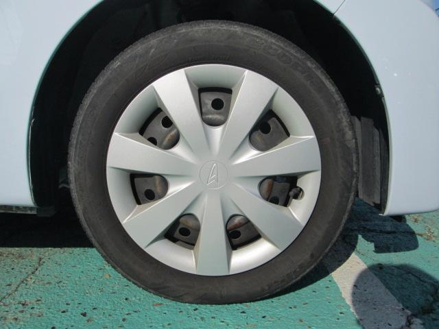 右前タイヤ