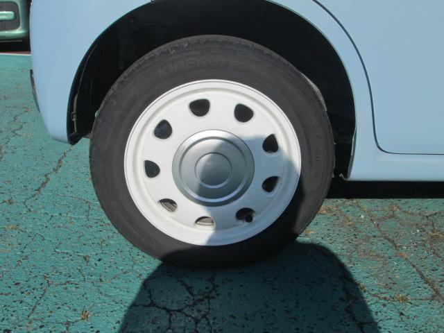 右後タイヤ