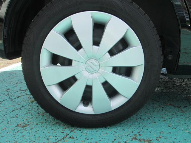 左後タイヤ