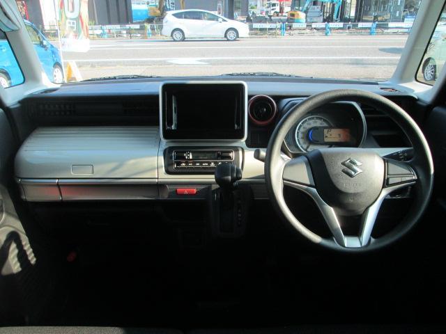 メーターやシフト、スイッチ位置など運転席回りの配置はしっくりいきたいものですね!まずは座ってチェックしてみてください♪