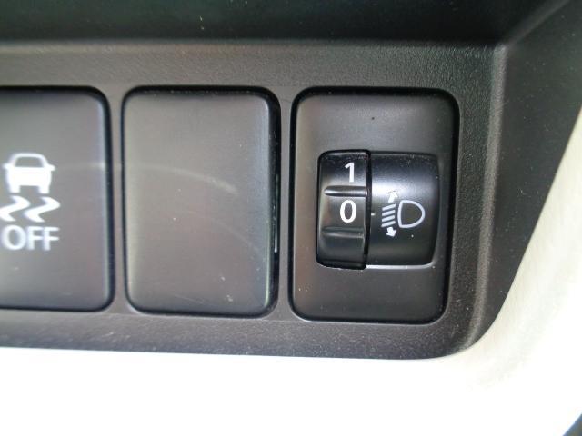 X メモリーナビ・CD・ワンセグTV ETC 衝突被害軽減ブレーキ 左側パワースライドドア 全方位カメラ バックカメラ プッシュスタート スマートキー 横滑り防止装置 ベンチシート 盗難防止装置(29枚目)