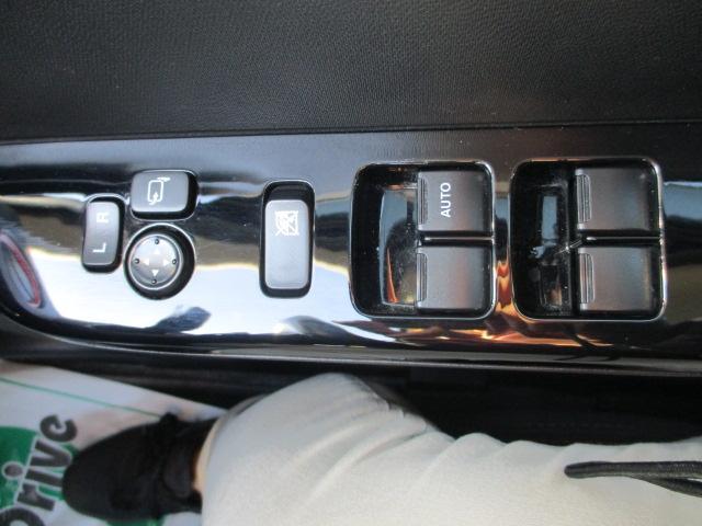 ベースグレード 4WD ETC パドルシフト 純正AW(19枚目)