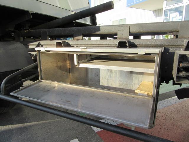 フルキャブセーフティーローダー 積載車 レッカー 尿素フリー(12枚目)