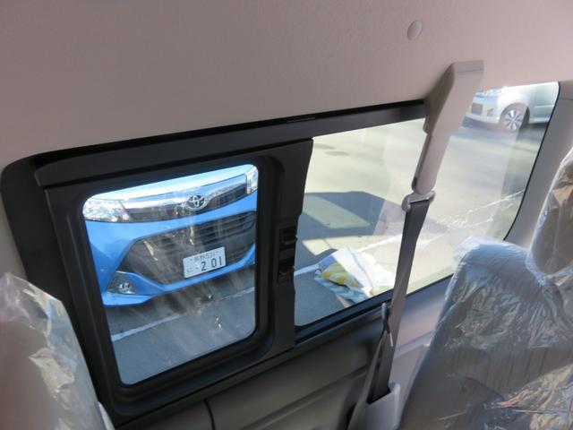 GX ドライブカメラ付き LEDライト ワンオーナー車 禁煙車 土禁車スタットレスタイヤ付き ノーマルタイヤ付き ナビ フルセグ ETC エンジンスターター付アラウンドビューモニター 10人乗り(63枚目)