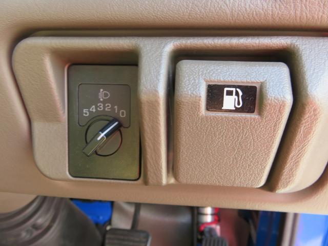 CXL4.9ディーゼル 29人乗り スタットレスタイヤ ノーマルタイヤ付き ETC 自動ドア ワンオーナー車(22枚目)