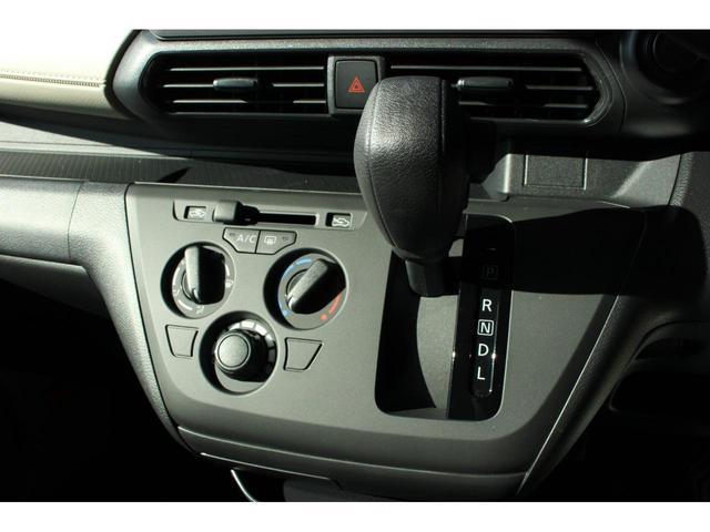 S エマージェンシーブレーキシステムレス 届出済未使用車 スマートキー アイドリングストップ 盗難防止システム 衝突安全ボディ 電動格納ドアミラー(7枚目)