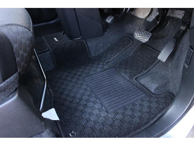 ハイブリッドMV 4WD 両側電動スライドドア LEDヘッドランプ ナビ&フルセグTV スマートキー アイドリングストップ バックカメラ ETC ナノイーオートエアコン シートヒーター DVD再生 純正フロアマット(19枚目)