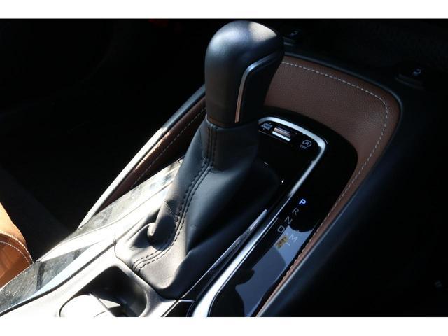 G 4WD トヨタセーフティーセンス ハーフレザーシート ナビ&フルセグTV アイドリングストップ スマートキー クルーズコントロール バックカメラ オートマチックハイビーム シートヒーター CD&DVD(8枚目)
