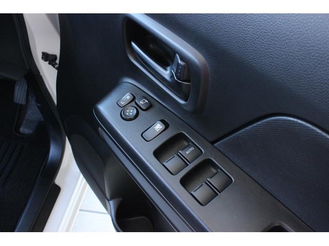 ハイブリッドXG 4WD マイルドハイブリッド 衝突被害軽減ブレーキ スマートキー アイドリングストップ シートヒーター オートライト ベンチシート オリジナルフロアマット アンブレラホルダー 横滑り防止装置(12枚目)