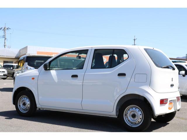 VP 4WD 横滑り防止機能 キーレスエントリー AM/FMラジオ付き マニュアル付きAT車 手動エアコン パワーステアリング アンチロックブレーキシステム エアバック ホイールキャップ(3枚目)