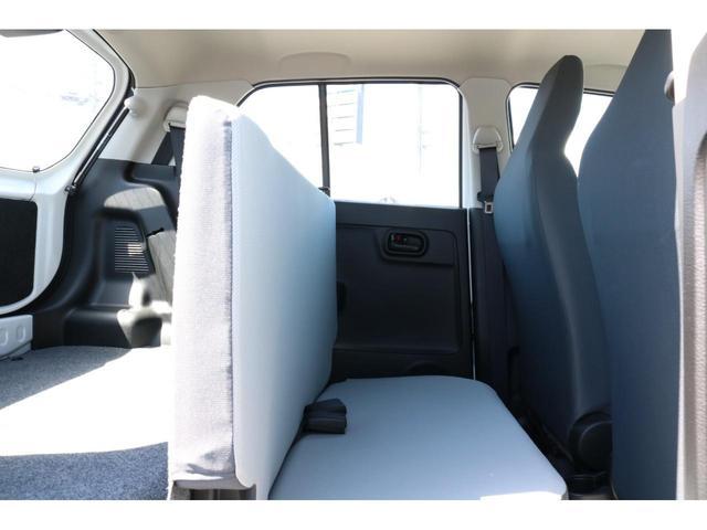 VP 4WD 横滑り防止機能 キーレスエントリー AM/FMラジオ付き マニュアル付きAT車 手動エアコン パワーステアリング アンチロックブレーキシステム エアバック ホイールキャップ(14枚目)